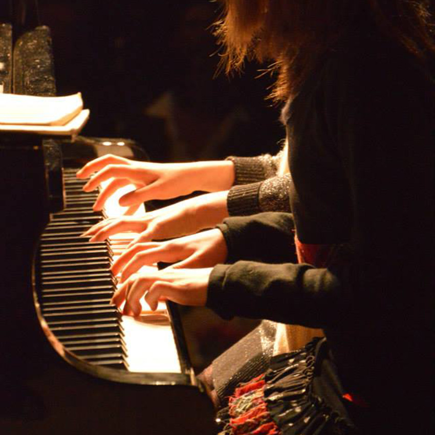 """""""Una classica domenica"""" al pianoforte"""